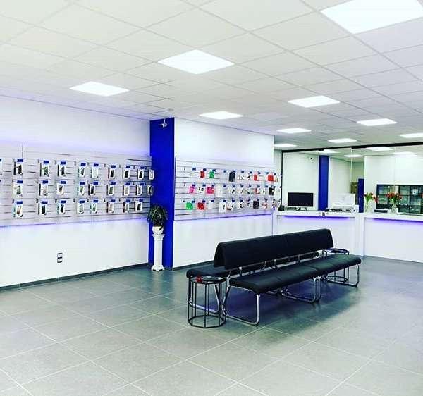 Corefix Turnhout - Breed assortiment aan hoesjes, accessoires, laders, gadgets, oordopjes en meer